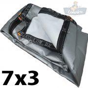 Lona 7x3 pppe 500 micra branca prata acabamento cinza argolas D inox cinta preta reforço reforçada durabilidade alta resistente loneiro