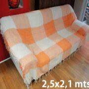 Manta de Algodão Macio 2,50 x 2,10 metros Xadrez Laranja com Branco feita artesanalmente para sofás cama estilo decorativa