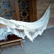 Rede de Descanso Cru Caqui Natural Artesanal com 4 metros Casal - Pernambucana Modelo de Franja Tradicional Feita em Algodão Tear