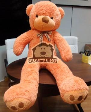 Urso de Pelúcia Romântico 1,20 Metros ou 120 cm Tedy Bear Caramelo - Pelúcia Premium Gigante com detalhes nas patinhas