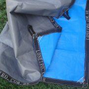 Lona: 40,0 x 40,0m Loneiro 500 Micras PPPE Azul e Cinza com Alças reforçadas a cada 1 metro Resistente Cobertura Proteção Talude