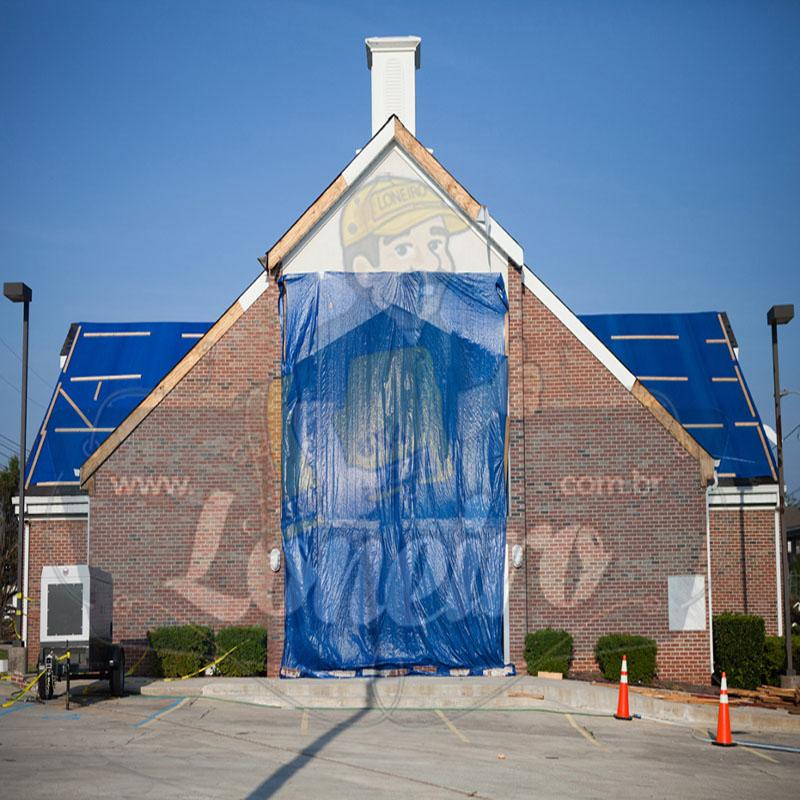 Lona 9,0 x 6,0m Azul Branco 300 Micras com ilhoses a cada 1 metro + 40 Elásticos LonaFlex 30cm de brinde!